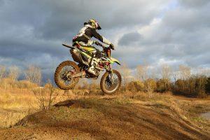 dirt-bike-209489_1920