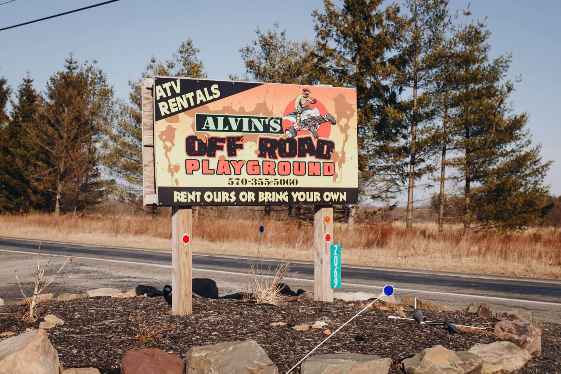 Alvins-Sign out front